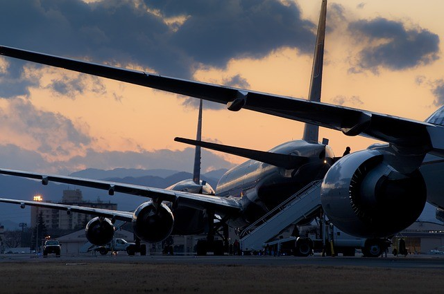 How to Spend Less Money at the Airport