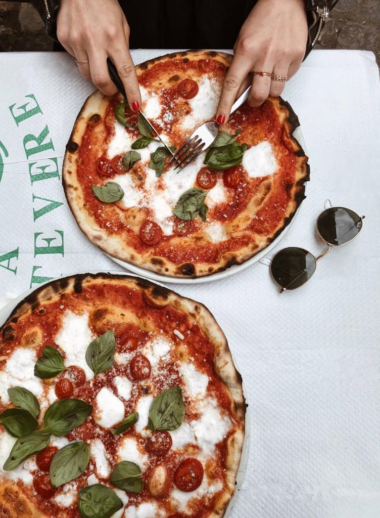 crust-delicious-dinner-2233348